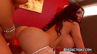 Really giant breasted Amy Anderssen is always available be incumbent on faggot intercourse
