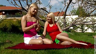 Endearing outdoors pussy licking shtick with sassy lesbian duo