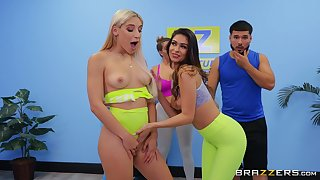 Pussy with an increment of ass eating after yoga class - Abella Danger & Katana Kombat