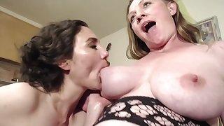 Cumslut Angel Midwife Eats Out Pregnant Haymaker Pussy Bunnie Lebowski