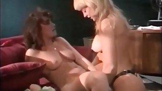 Nina Hartley fucks Alice Springs - Retro Lesbian Sex
