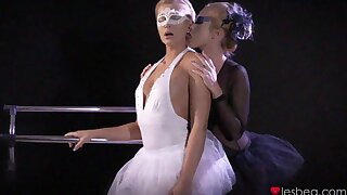 Ballet dancers take off panties to have lesbian lovemaking - Cristal Caitlin